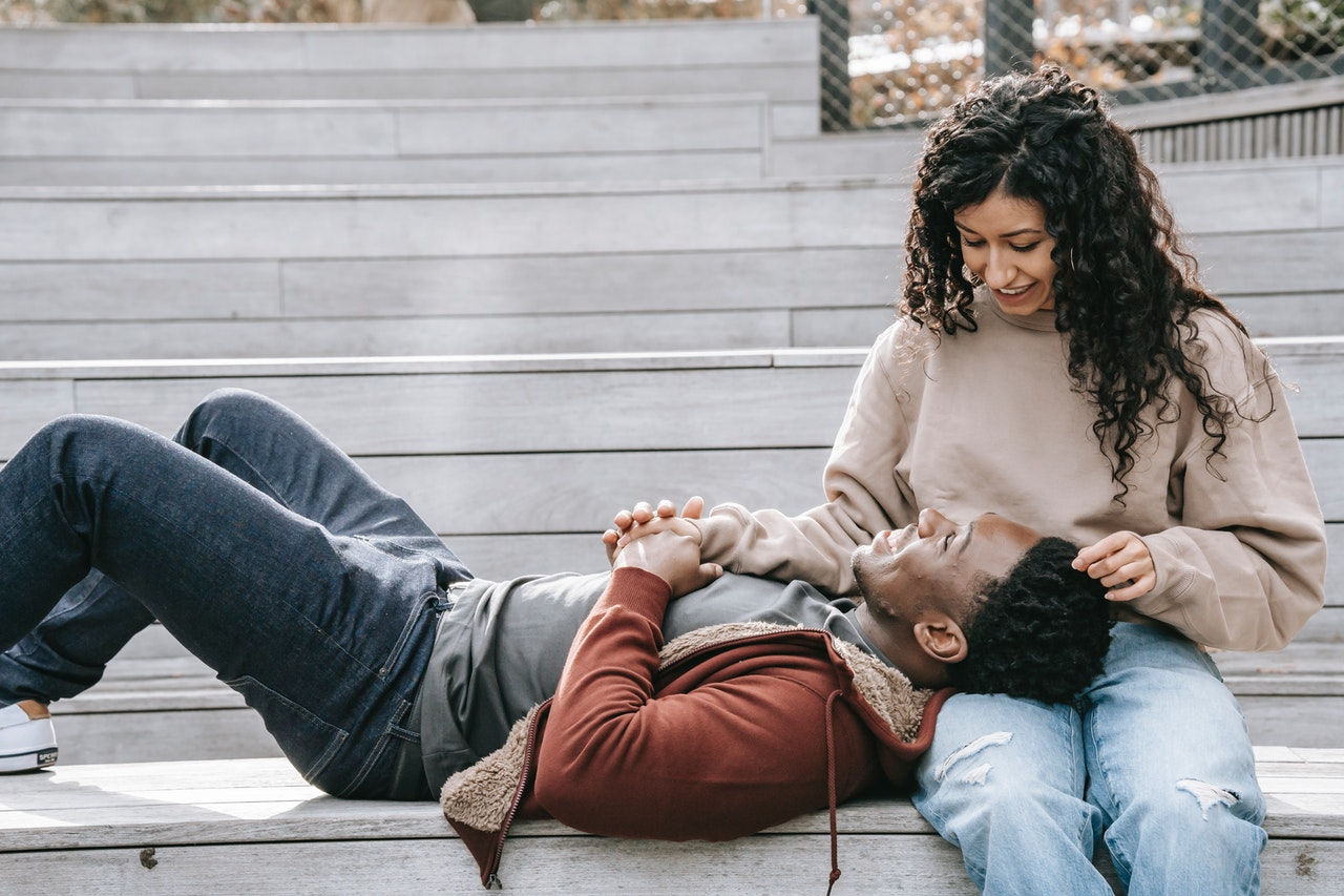 4 Psychological Strategies to Make a Woman Want YouMore
