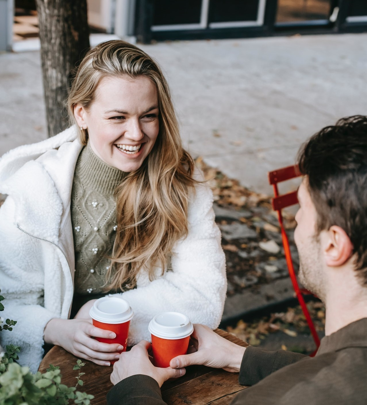 4 Subtle Lies Men Tell Women, According to Psychologist